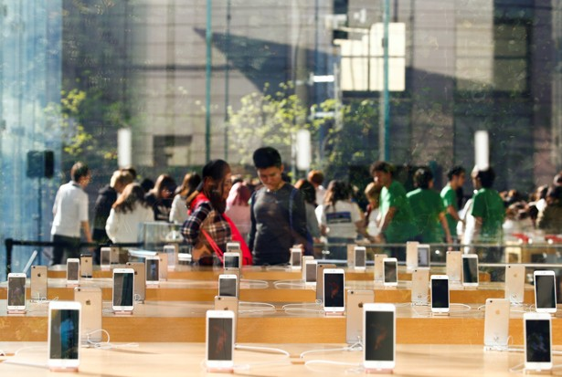Smart Phones Rule the Internet