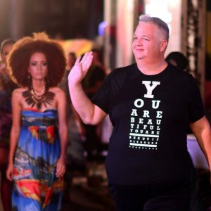 Local-aruban-fashion-designer-ronchi-de-cuba-celebrates-30yearsofstyle-with-hilton-aruba-event