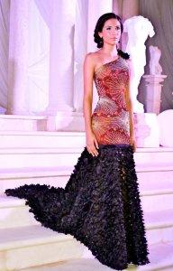 fashion-show-gown-dress-by-aruban-designer-ronchi-de-cuba
